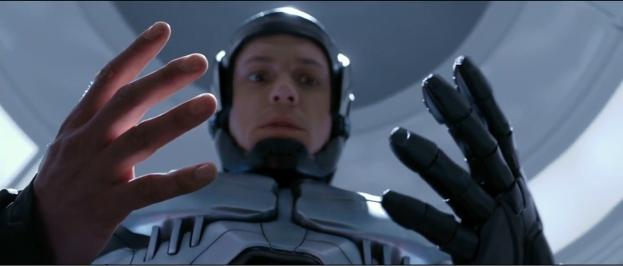 8 Finger. Was fehlt? Der Sneakfilm!